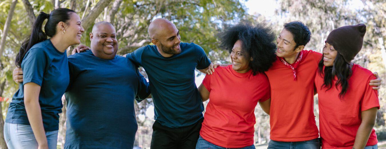 Trainingsgruppe Männer Frauen rot blau
