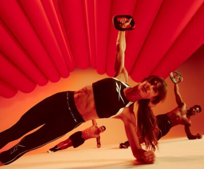 Les Mills Core Woman red